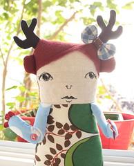 Amandine Beausoleil (super ninon) Tags: leaves doll handmade plush softie etsy ninon handmadedoll yellowboots lesmonstris