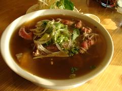 Pho Tai Gan at Pho Hoang (knightbefore_99) Tags: vancouver soup restaurant beef main vietnam tai noodle pho rare eastvan gan phohoang photaigan