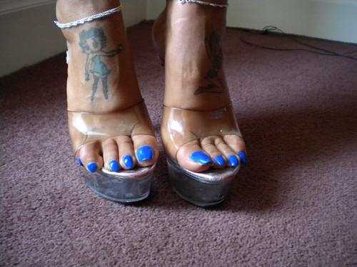 feet blue toenails Sexy