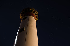 Phare de Ouistreham (ati4850) Tags: light lighthouse tourism night de nikon normandie normandy phare caen ouistreham d7000 vision:outdoor=0974 vision:sky=0688 vision:dark=0628