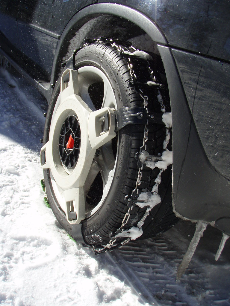 """Spikes-Spider snow chains on 20"""" tires - Xoutpost.com"""