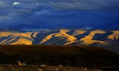 Lhachen (Nagen) la to Damshung (reurinkjan) Tags: county nature jan tibet 2008 changtang abigfave damshung tibetanlandscape reurink lhachennagenla damgzung     dolakrawa gangrirarwa