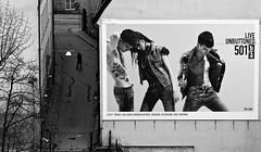 Live..... Uninfluenced (diesmali) Tags: sweden stockholm ad jeans slussen sverige levis gondolen canonef100mmf28macrousm johanklovsjö powmerantusenord