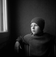 (Jordy B) Tags: portrait bw 6x6 film analog rolleiflex children noiretblanc enfant 400iso matho ilfordhp5plus 4212 moyenformat bestofr