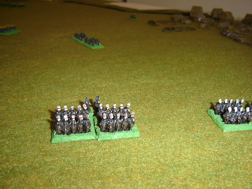 Chosokabe cavalry wheels towards the rear of the Ikeda