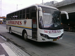 Superlines 711 (octis lcis clum) Tags: white bus lines diamonds phi south philippines super hino bicol quezon luzon provincial naga ordinary legaspi bago isuzu lucena 2door whitebus rebodied superlines busp pilipinashino