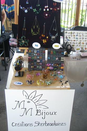 bijoux artisanaux au marché de la gare de Sherbrooke