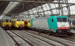 BR186 (Arnold van Heyst) Tags: b plant station amsterdam train trains 531 asd trein treinen traxx nmbs amsterdamcs amsterdamcentraalstation sncb br186 e186
