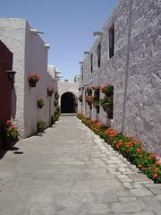 Pasillo del Santa Catalina (Mundo de Color) Tags: peru arequipa santacatalina
