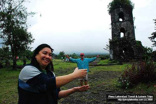 Jo and Tatay at the Cagsawa Ruins Park