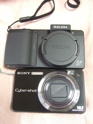 RICOH GX200 vs Cyber-shot DSC-W170