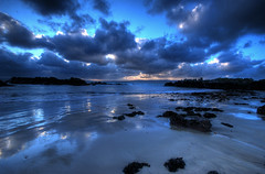 Inishowen Mirror (Janek Kloss) Tags: ocean morning ireland winter sea irish night clouds sunrise reflections river mirror early nikon rocks long exposure lough photos stones tripod shoreline mirrors tourist irland eire fotka atlantic shore fotografia peninsula 2009 donegal attraction zdjecia irlanda manfrotto ulster ierland inishowen foyle j23  zdjecie fotki irlandia   hwdp d80  lirlande stroove fotosy  shroove   moli516