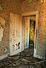 Doorway 2nd Floor (deatonstreet) Tags: wallpaper abandoned peeling paint kentucky interior doorway louisville mansion ouerbacker