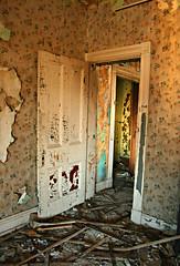Doorway 2nd Floor (deatonstreet) Tags: wallpaper abandoned peeling paint kentucky interior doorway louisville mansion ouerbacker