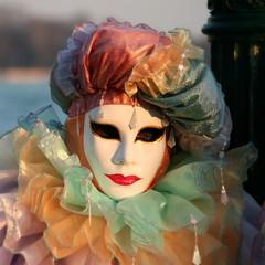 through the eyes... (Blue Spirit - heart took control) Tags: carnival venice sunset portrait eyes colours mask carnevale venezia colori maschera giovedìgrasso artofimages 18200is bestportraitaoi carnevaledivenezia2009 hoscattatoquattrocentosettansettefotoinunpomeriggio