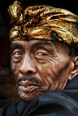 Made in BALI (williamcho) Tags: portrait bali photoshop costume oldman elderly blending villagepeople nothdr photographyrocks aplusphoto flickraward colourartaward nikonflickraward iloveypics goldenart