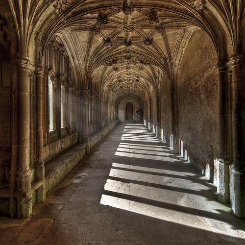 Lacock cloisters / Nick Holland