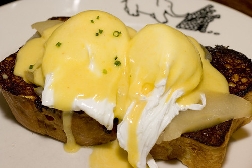 Eggs 'n apples benedict on french toast