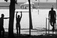 Fitness Al Mare (servuloh) Tags: pictures from street shadow brazil bw white black bus luz praia beach window silhouette rio branco brasil riodejaneiro by backlight canon contraluz de photography avenida interesting movement sand do foto rj janeiro exercise areia action pov juegos picture games pb ao preto powershot copacabana host fotos e da janela movimento through silueta olympics workout 1001nights fitness nibus autobus contra sede jogos physical marcha canonpowershot silhueta g7 jeux atlntica 2016 olimpicos exerccio avenidaatlntica riobybus canong7