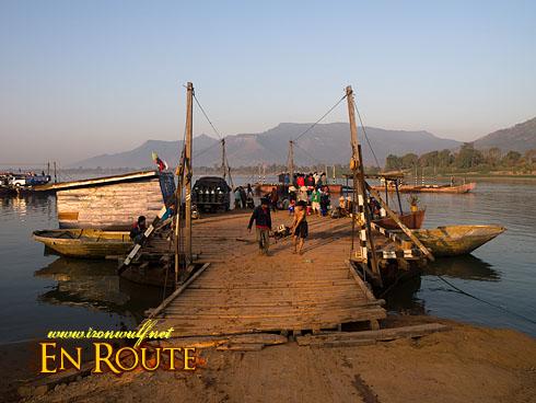Wat Phu Mekong Transpo Raft