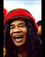 Mbah Surip (1949-2009) (khaniv13) Tags: musician music hair indonesia nikon jakarta singer reggae rasta inmemoriam died braided restinpeace hahahahaa d40x afs35mmf18 khaniv13 mbahsurip kemanamana iloveyoufull takgendong