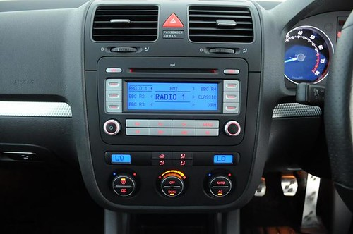 Golf R32 Mk5 Interior vw Golf R32 Mk5 Centre Console