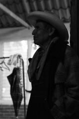Don Victoriano Salgado (gonzaloh) Tags: blackandwhite bw white black blancoynegro blanco méxico d50 mexico nikon noir noiretblanc negro nikond50 mexique mich sw michoacán craftsman mx bianco blanc nero schwarz artisan biancoenero mexiko messico weis artesano uruapan schwarzweis meksiko メキシコ meksyk mexikó المكسيك мексика μεξικό donvictorianosalgado