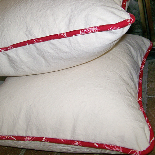 pillow with piping 22