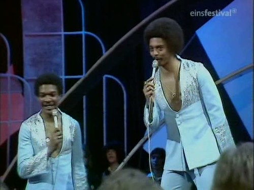 Top of the Pops (20th March 1975) [TVRip (XviD)] preview 10