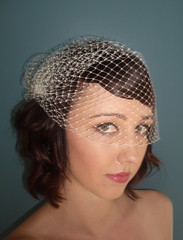 bidcage veil 14 inch (Birdcage Veils and Wedding Accessories by Tessa Ki) Tags: flowers wedding vintage silver gold necklace veil crystal pearls retro chain etsy jewelery bridal veils specialoccasion feahters lacenecklace birdcageveil etsyweddingteam birdcageveils russianveil frenchveil russianveiling frenchveiling