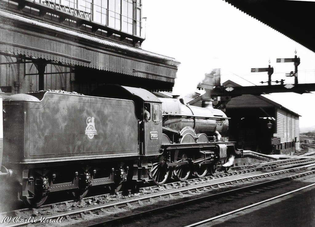 7029 CLUN CASTLE waiting to leave Exeter St Davids with the 1345 Bristol to Penzance 2 July 1953