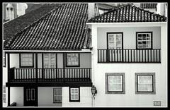 B&W. (JM Andrade) Tags: bw white house black portugal casa balcony sony pb balconies h9 varanda varandas santacombado dsch9 ilustrarportugal srieouro