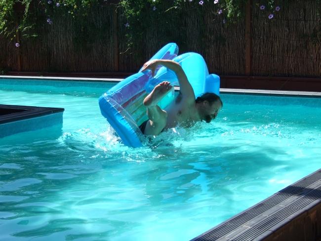 pool dunking 01