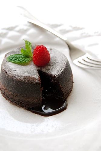 Molten chocolate cake1