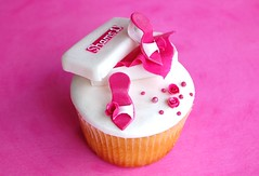Made for a ... (~Trs Chic Cupcakes by ShamsD~) Tags: roses white by cupcakes nikon chocolate african sandals south cupcake tres mudcake chic stilettos proudly marshmallowfondant designercupcakes shamsd shamimadesai madeinsouthafrica cupcakesinsouthafrica cupcakesfromsouthafrica cupcakesinpietermaritzburg weddingcupcakesinsouthafrica weddingcupcakesinpietermaritzburg