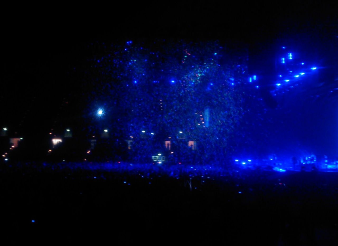 coldplay confetti blue