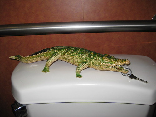 Gator Lip Ring Bathroom Key