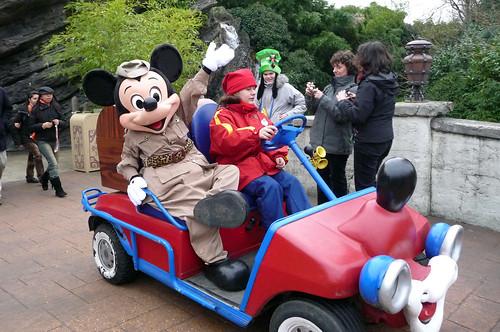 Safari Mickey driving round Adventureland