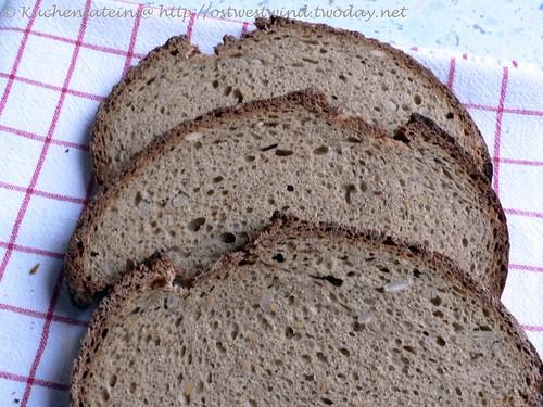 Bäcker Süpkes Schwarzbierbrot  002