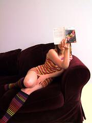 Lolita (chez laurette) Tags: socks book roman humbert lolita lecture livre lire canapé lecteur vladimir nabokov couverture vladimirnabokov chaussette littérature jambière maxpechstein bookslibroslivros jeunefillesursofavertavecchat