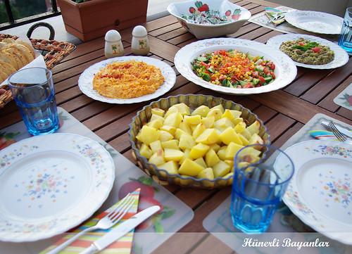 Mangal Masası
