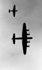 Lancaster & Hurricane silhouette (Agfapan-25) Tags: leicam2 efke adox r09140 adoxchs50 leitzsummar thorpecamp40sweekend2009