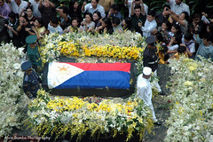 Farewell our beloved Madame President Cory Aquino (Alvin Gumba Photography) Tags: flowers democracy president philippines coffin cory philippineflag aquino peoplepower makaticity ayalaavenue ninoy coryaquino ninoyaquino alvingumba alvingumbaphotography madamepresidentcoryaquino 11thpresidentofthephilippines presidentialcoffin