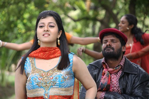 Aarumaname Tamil movie still -Actress Sindhu with Ganja Karuppu