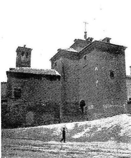 """Iglesia de San Miguel en 1909. """"Revista Por esos mundos"""""""