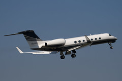 VQ-BGN - 5218 - Private - Gulfstream G550 - Luton - 100423 - Steven Gray - IMG_0407