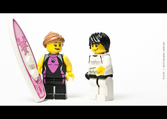 166/365 Shane and some nice surfer girl (photography.andreas) Tags: macro canon germany deutschland photography lego series 365 minifig minifigs saarland minifigure project365 httpcreativecommonsorg eos40d canoneos40d canonefs1855mmf3556is urweiler httpphotographyproject365wordpresscom