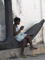Girl and Anchor, Ilha do Mocambique
