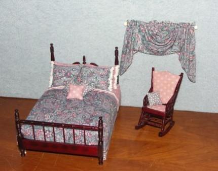 Federal Style Mahogany Bed Set