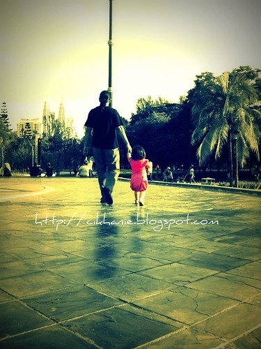 daddy n his little girl